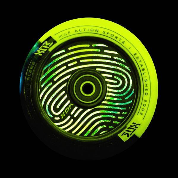 MGP Hologram Core Wheel 110 mm - black / lime